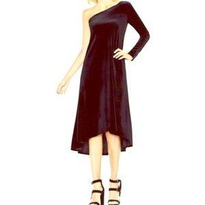 🎄Perfect Holiday VINCE CAMUTO Black Velvet Dress